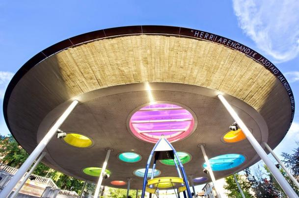 tvitec-glass-urban-park-ufo