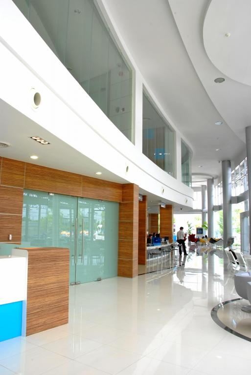 toyota-tbn-showroom-bangkok-thailand-11