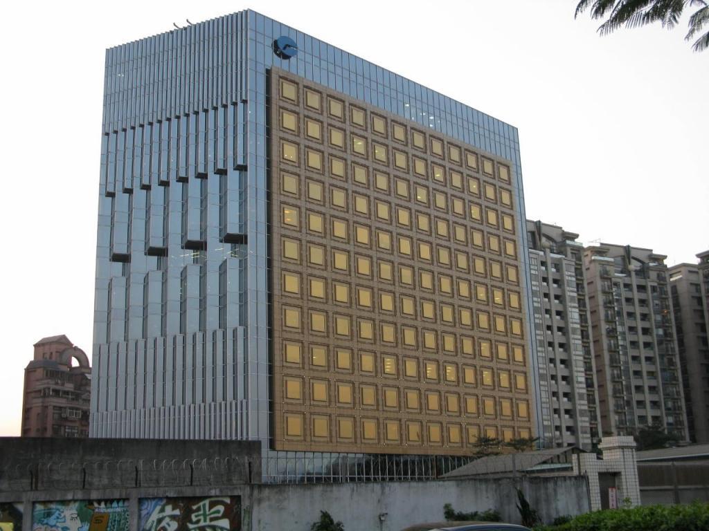 far-glory-construction-golden-glory-office-building