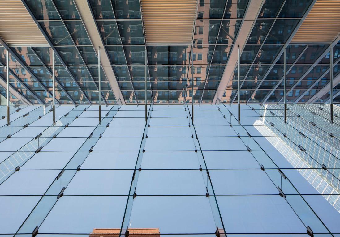 lobby-ceiling-150-north-riverside-atrium-saflex