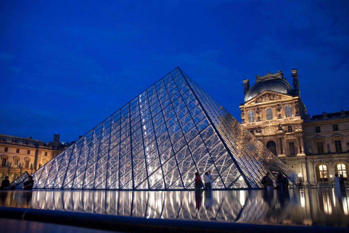 louvre-pyramid-saflex-clear