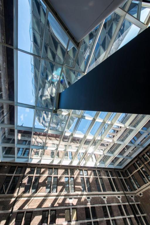 antwerp-havenhuis-saflex-clear-atrium2