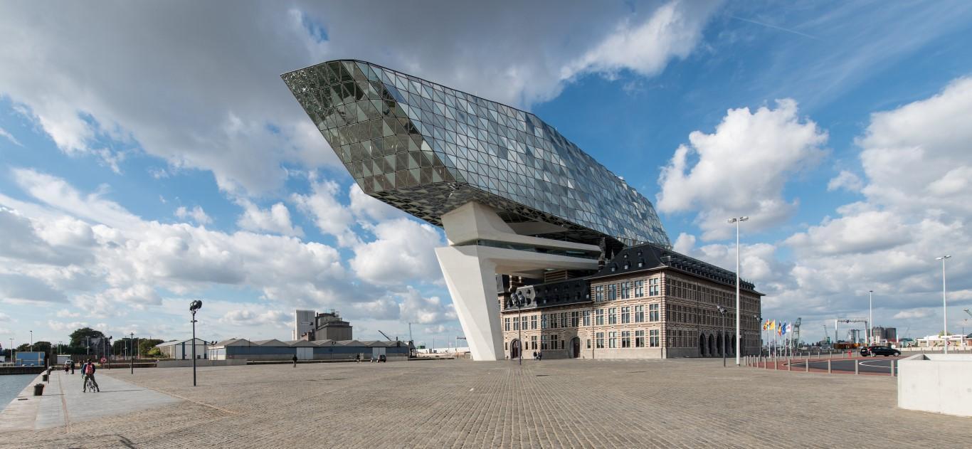 antwerp-havenhuis-saflex-clear-exterior