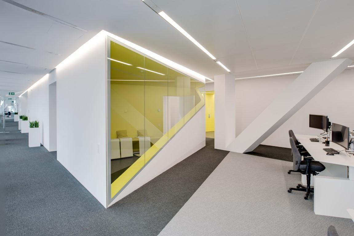 antwerp-havenhuis-saflex-clear-working-space