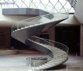 louvre-staircase
