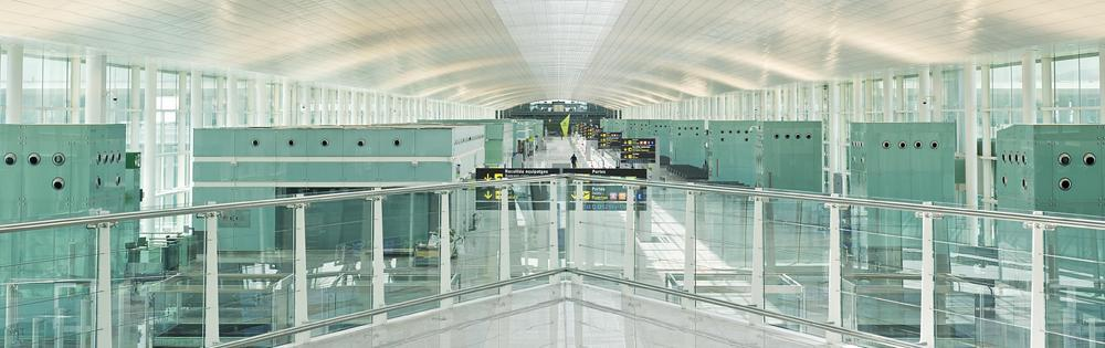 barcelona-airport-inside-saflex-acoustic